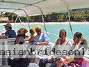 cartagena-women-boat-1104-13